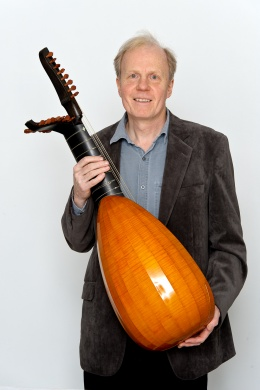 "12 Course double-headed ""English"" baroque lute, made by Martin Haycock."